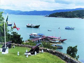 Vista da Fortaleza de Santa Cruz do Anhatomirim para o mar