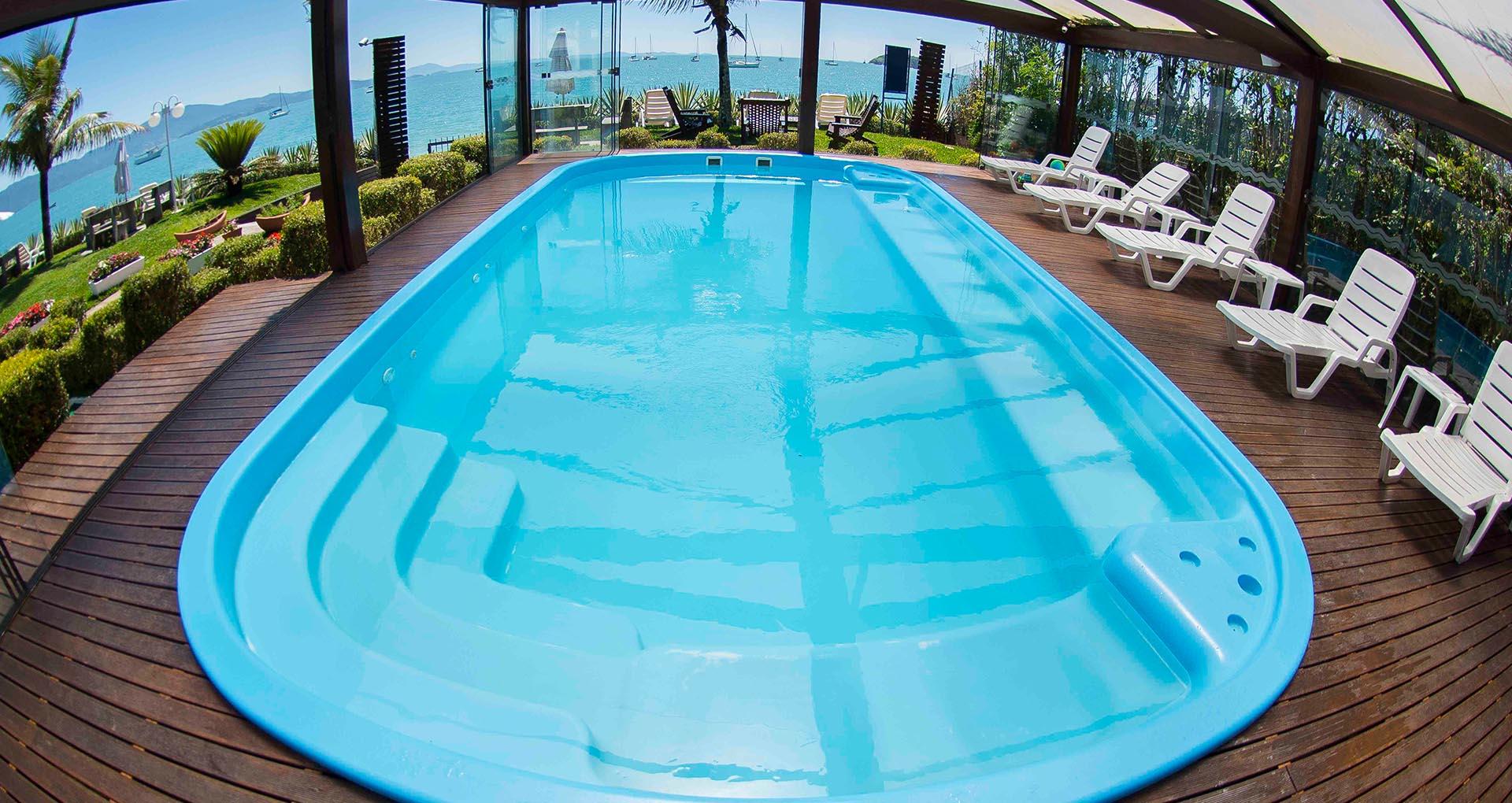 Piscina aquecida no Hotel Sete Ilhas em Florianópolis, Santa Catarina, frente ao mar de Jurerê com bela vista!