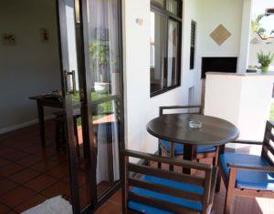 Ângulo alternativo da área externa das ilhas 3 e 5 do hotel Sete Ilhas em Florianópolis, Santa Catarina
